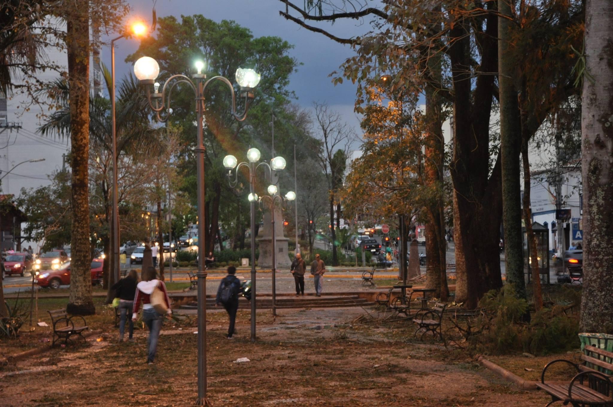 Tempestade causa problemas em Lavras