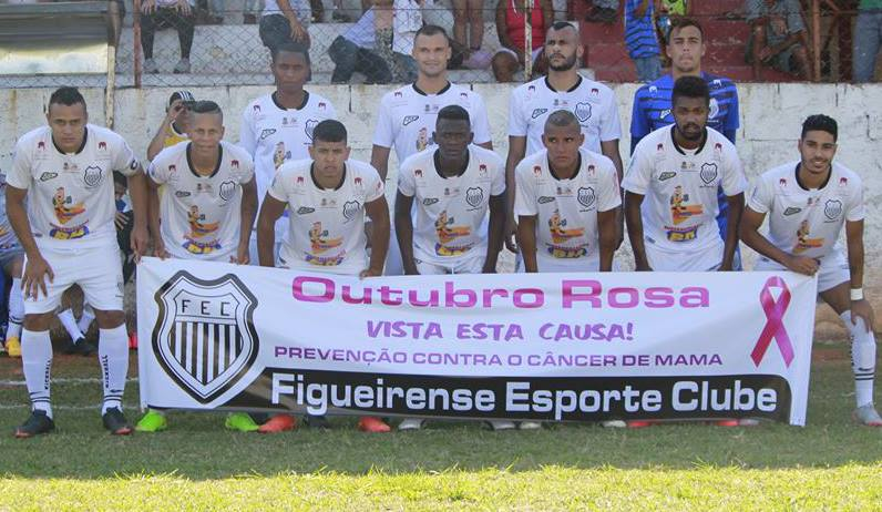 Jogadores contribuíram com a campanha do Outubro Rosa