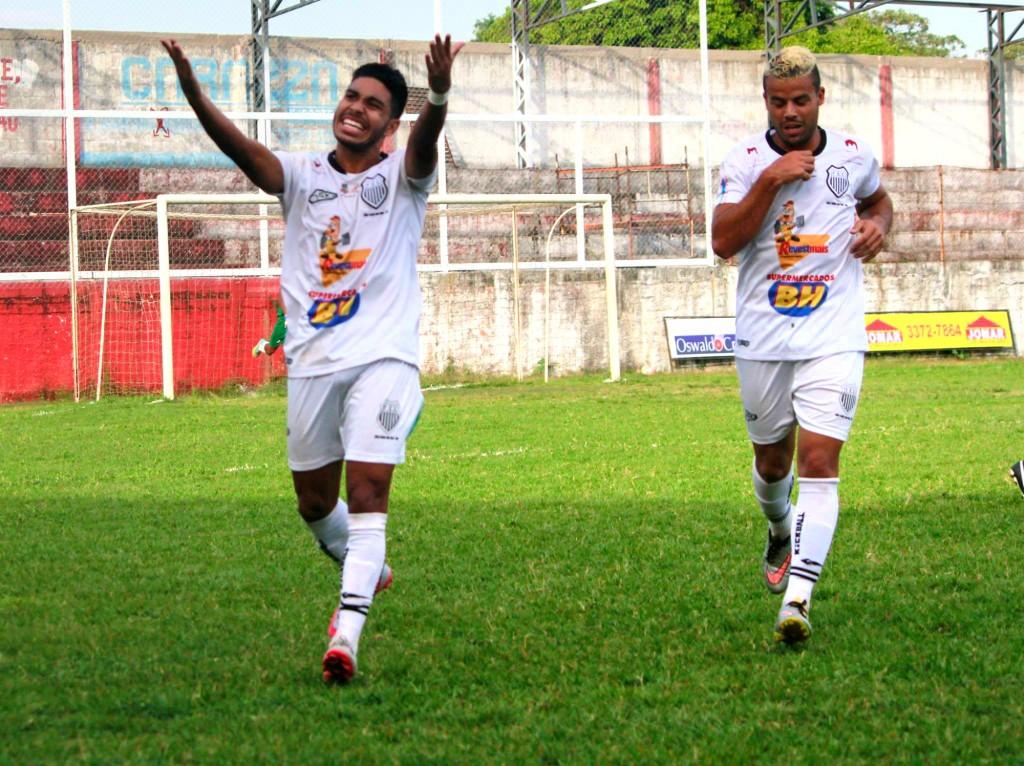 Atacante Lucas Villela marcou dois gols na partida