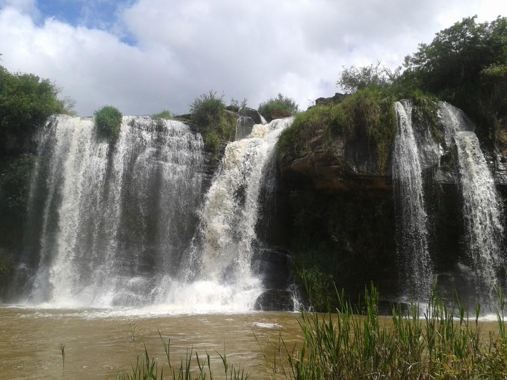 Com a implantação da ETE, a Cachoeira da Fumaça, cartão-postal da cidade, será despoluída FOTO: Andreza de Cácia