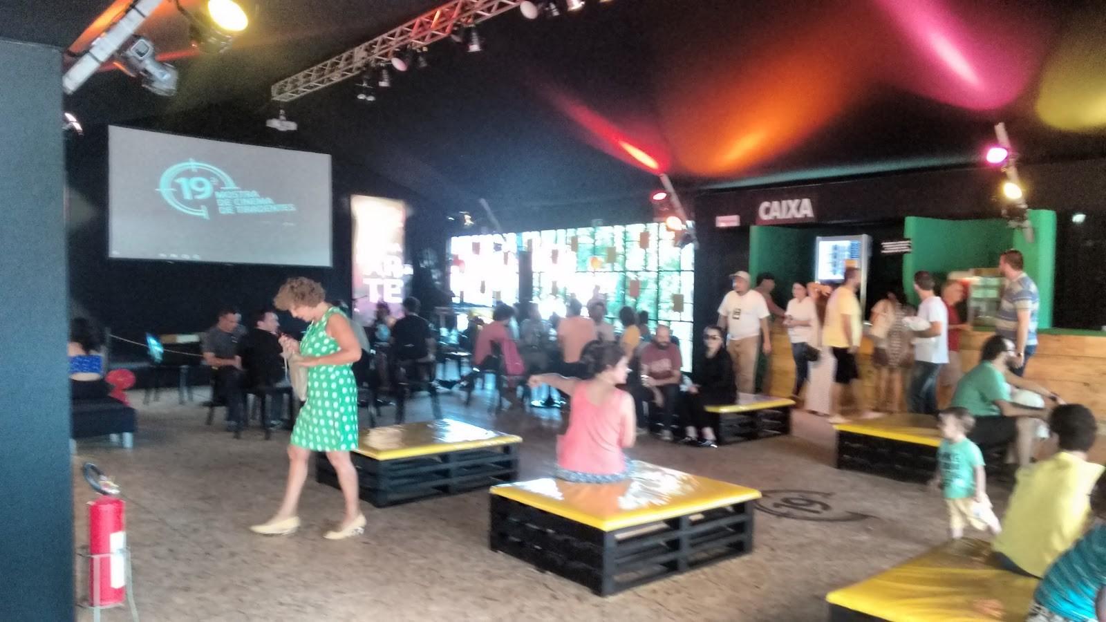 Mesmo com chuva, bom público comparece ao sexto dia da Mostra de Tiradentes