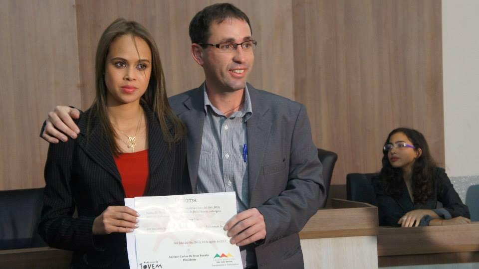 Cerimônia de posse de Rafaella Vieira, em 2014. FOTO: Câmara dos Vereadores de SJDR