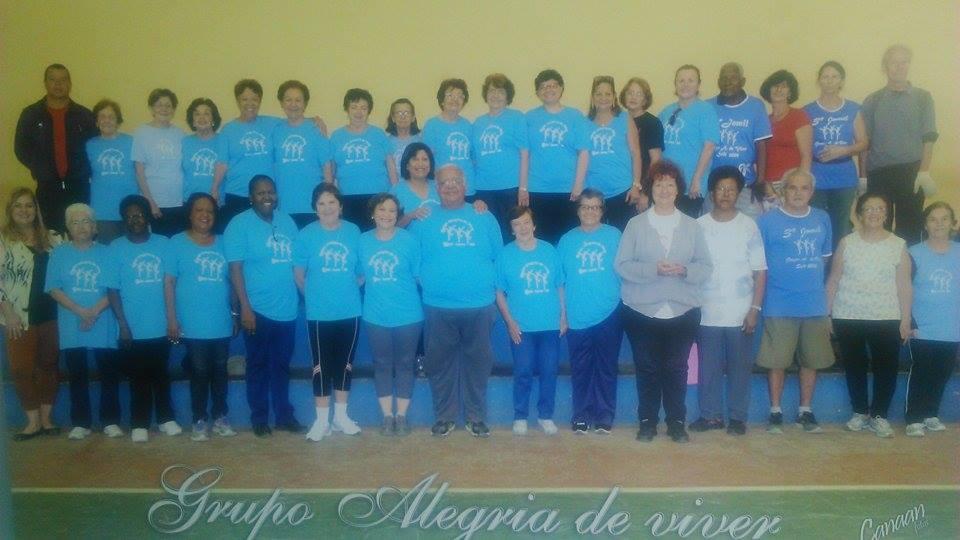 """Na foto, os atuais integrantes do grupo """"Alegria de Viver"""". FOTO/VAN: Talita Tonso"""