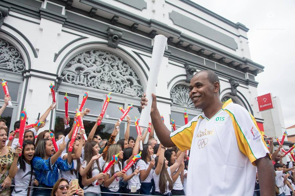 Raimundo foi convidado pela Prefeitura para fazer o revezamento. FOTO: Facebook/Raimundo Aparecido