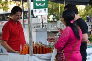 Feira movimentou a economia e a relação entre comerciante e visitante. FOTO: Alícia Antonioli