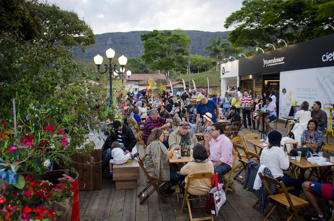 Culinária, música e cultura se misturam em Tiradentes