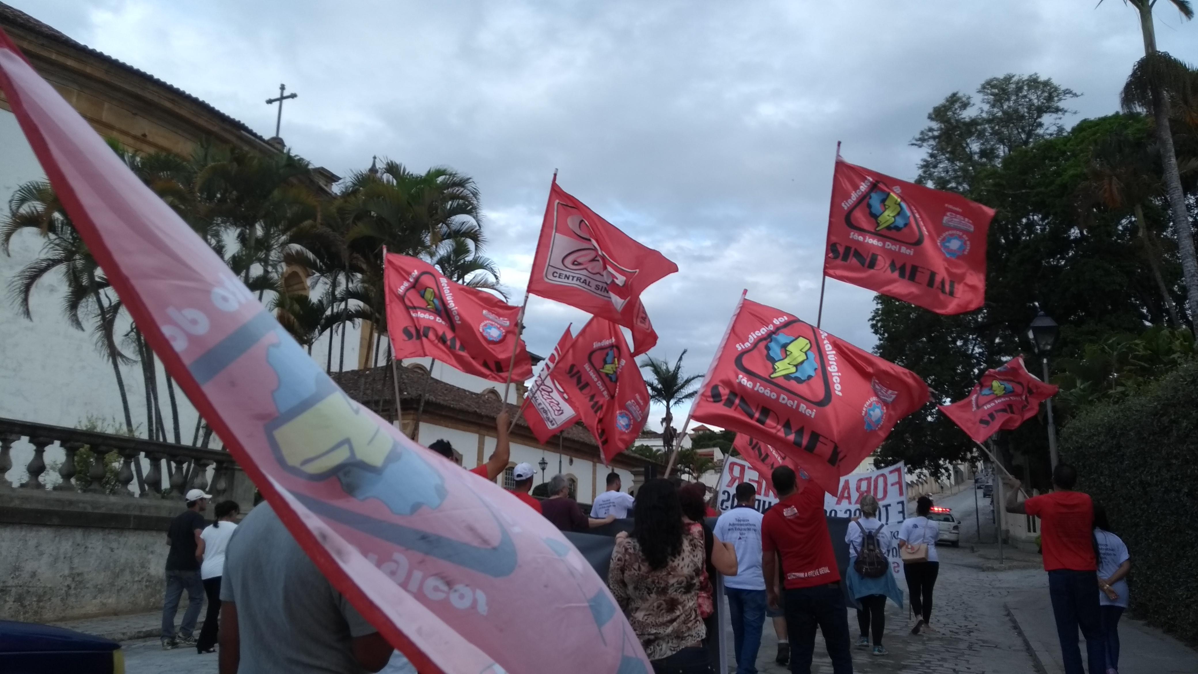 Reformas Trabalhista e Previdenciária geram novo ato em São João del-Rei