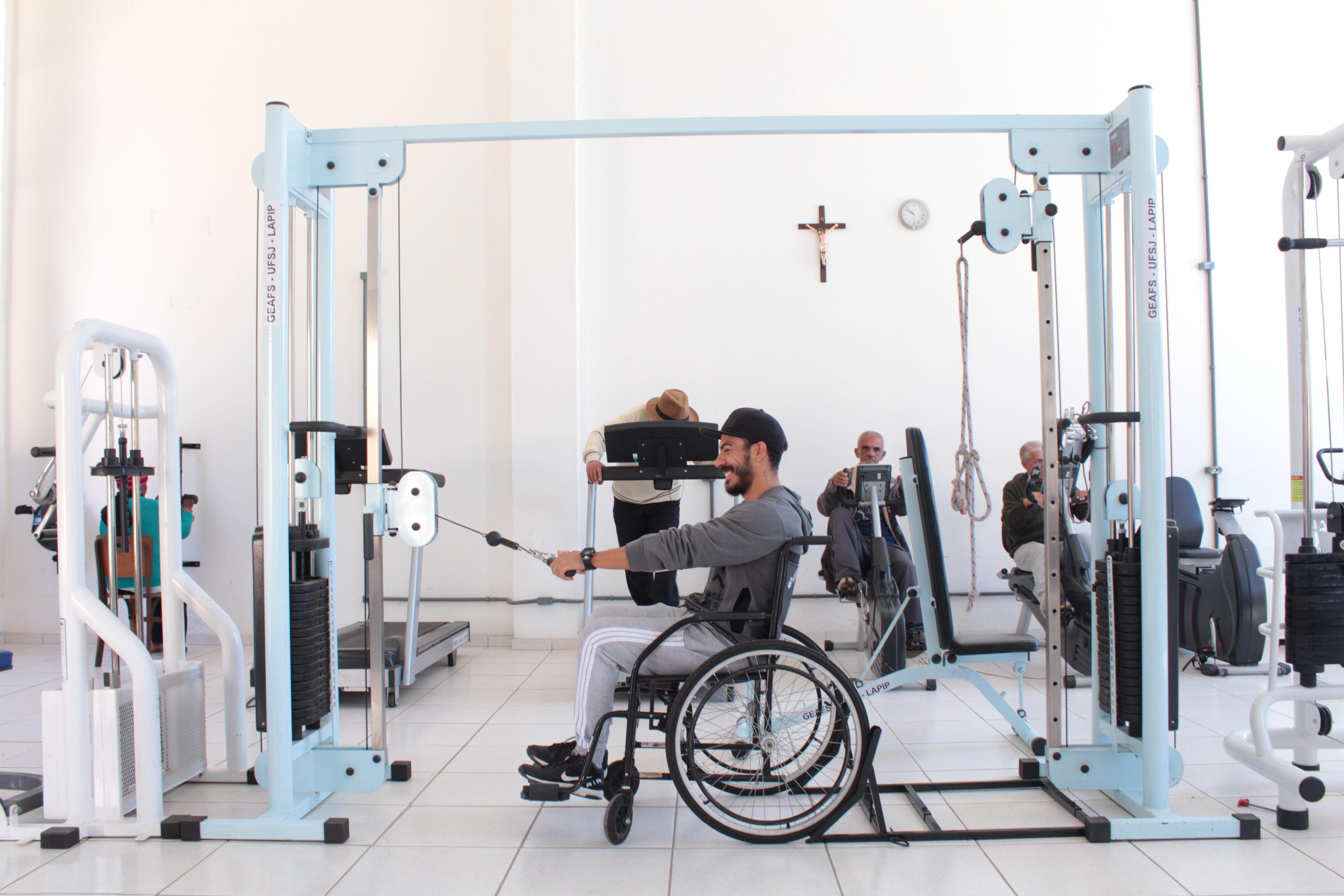 Academia adaptada desperta interesse do Comitê Paralímpico